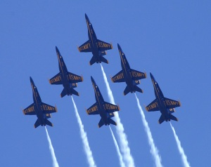 blue-angels-formation-02