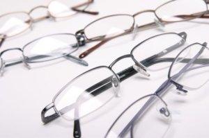 Designer-Eyeglasses-702155